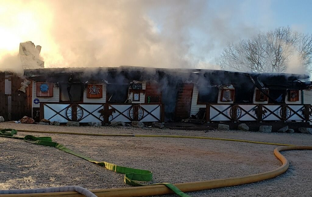 Lake Area Restaurant Badly Damaged By Early Morning Fire