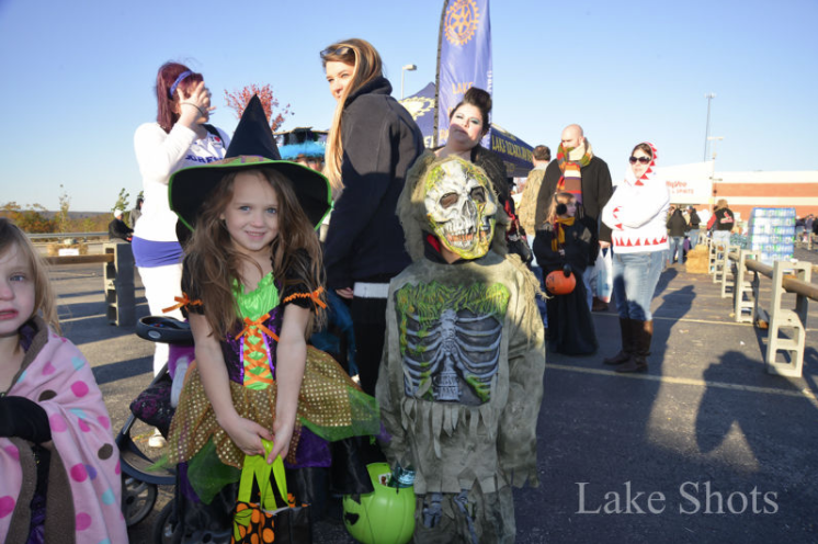 Hy-Vee Hollow Trick-or-Treat – Food Allergy Friendly