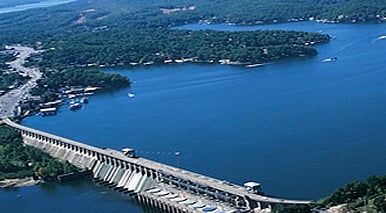 Lake level bagnell dam takes pressure off flooded areas for Fishing report truman lake
