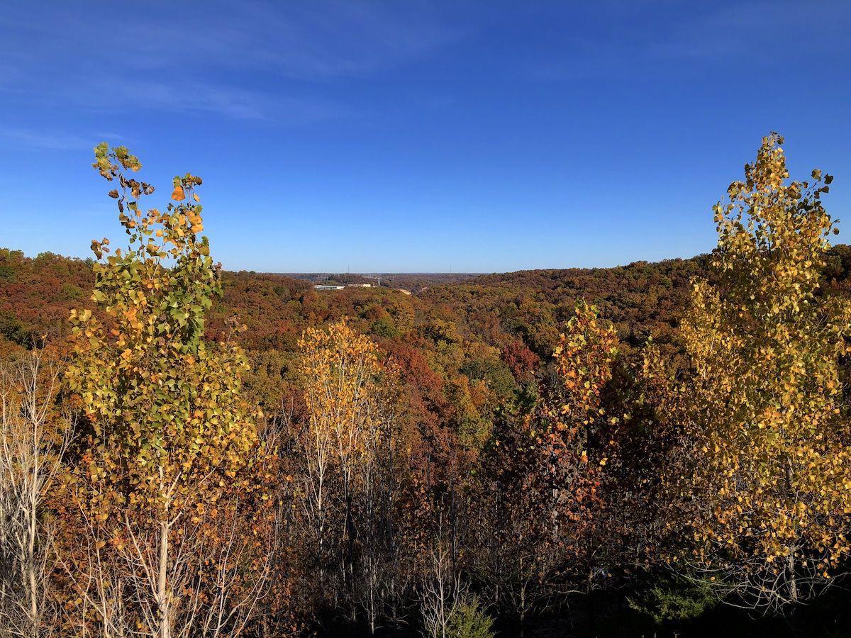 fall colors_hyvee valley.jpg