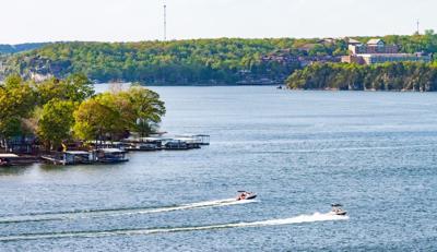 Lake of the Ozarks Summer Restaurants & Bars Boating Guide