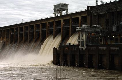 Bagnell dam reopens floodgates for truman lake flood for Fishing report truman lake