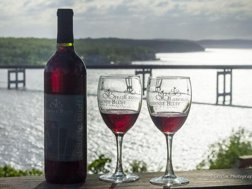 Living On The Vine: Shawnee Bluff Winery Pairs Lake Vintages With ...