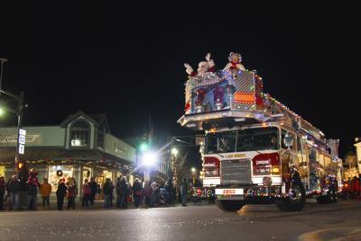 Lake Geneva Electric Christmas Parade 2013