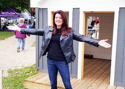 Amy Garcia school teacher Walworth donating playhouse