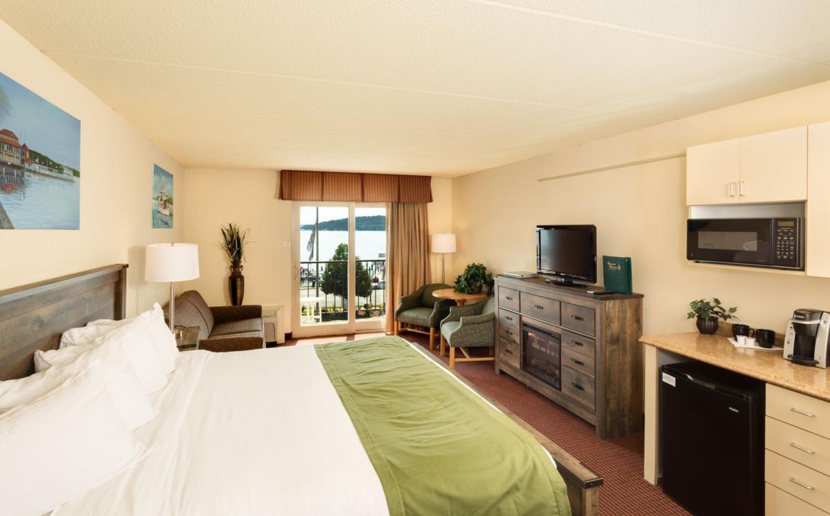 Harbor Shores room