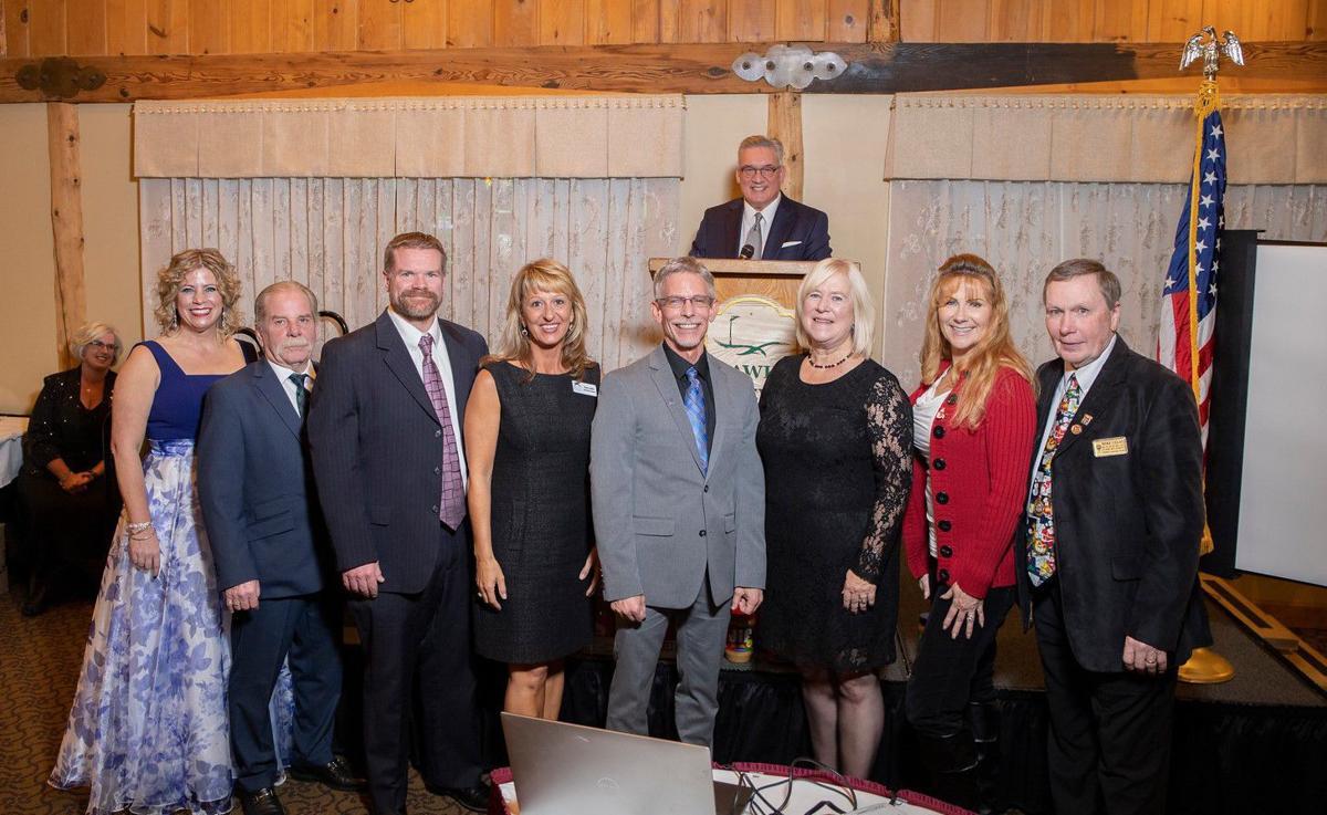 Local Realtors Award Gustafson Help Pantry Resorter Lakegenevanews Net