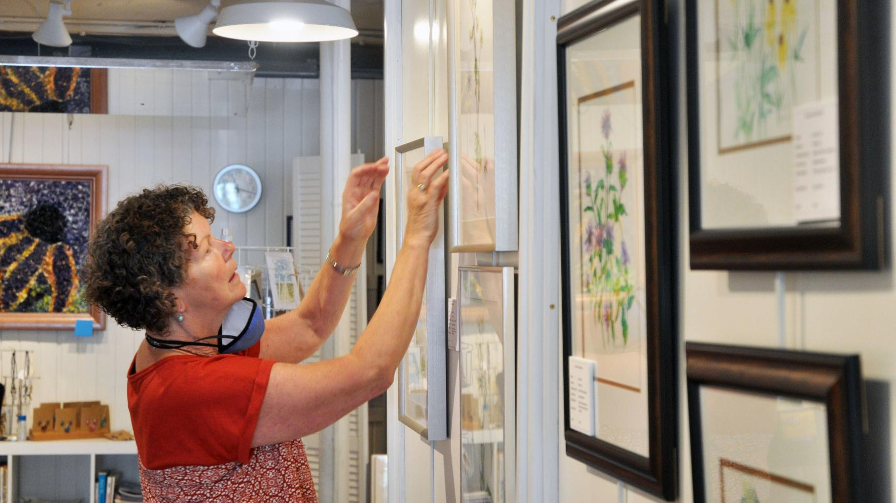 Watch now: Gallery 223 conducts annual high school art show this weekend, April 16-18
