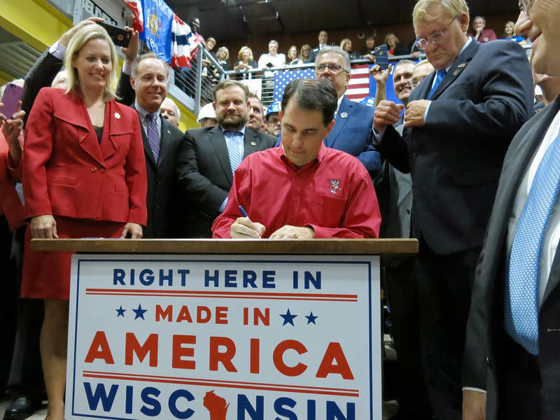 Gov. Scott Walker signs Foxconn deal 2017