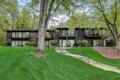 2 Bedroom Home in Lake Geneva - $170,000