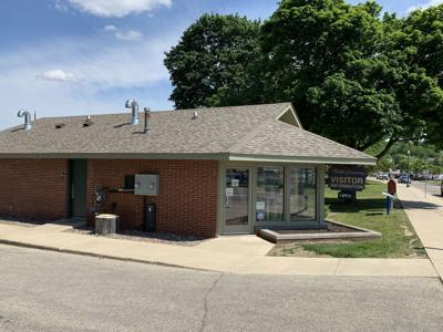 The City of Lake Geneva has given initial approval of an agreement that will allow VISIT Lake Geneva to continue to lease the visitors center building