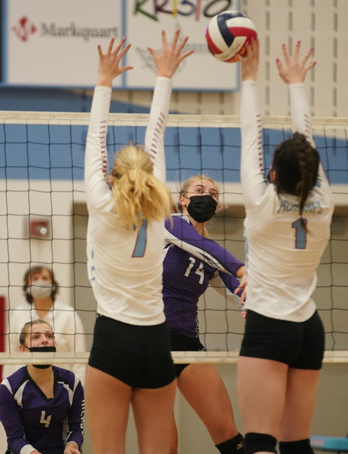 Eau Claire Memorial at Eau Claire North volleyball