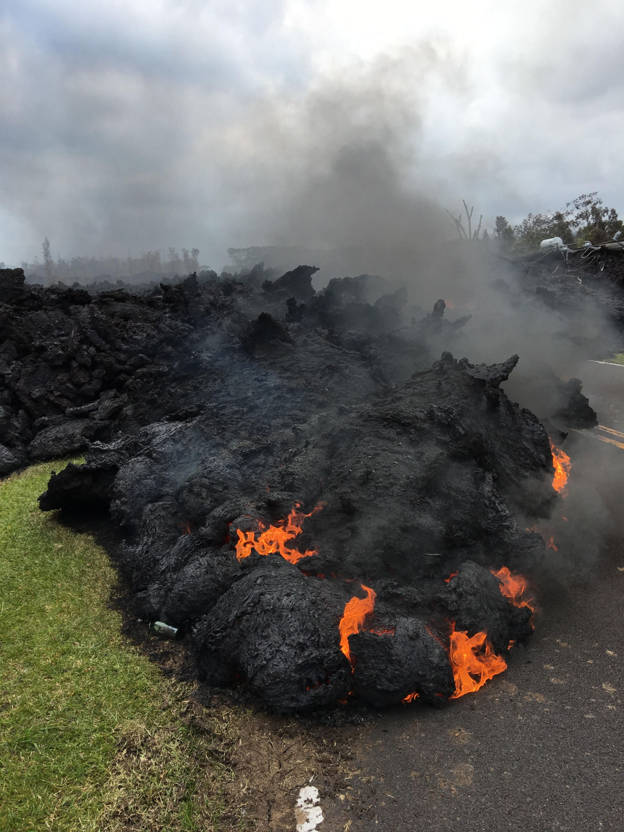 hawaii braces for long upheaval as erupting kilauea volcano boils rh leadertelegram com
