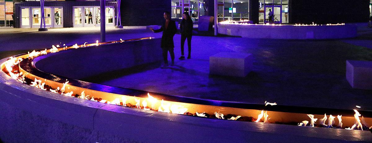101019_sk_night_plaza_5