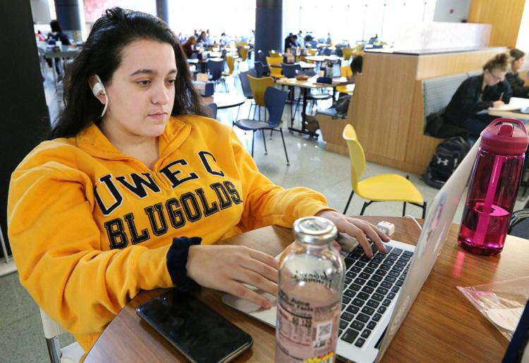 UW System to mull ramping up online offerings