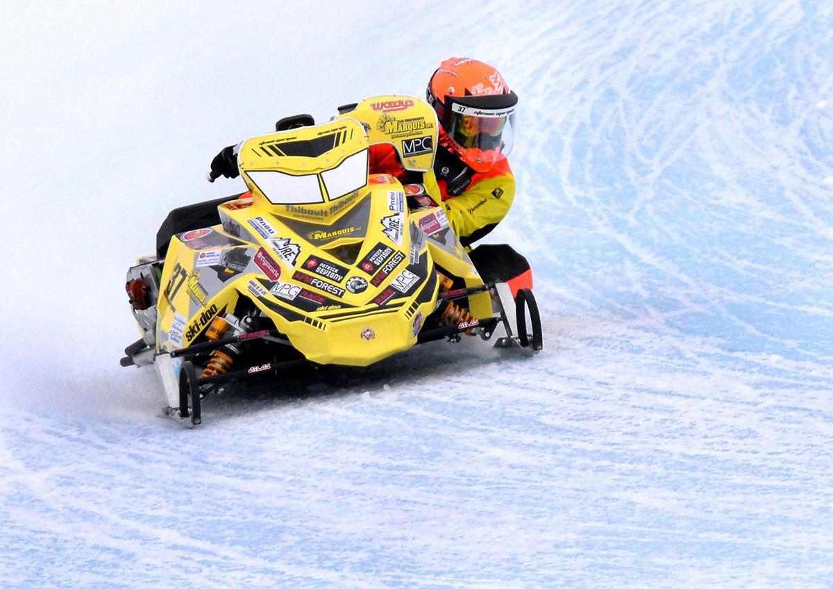 01302019_tct_bw_snowmobile_race_marquis