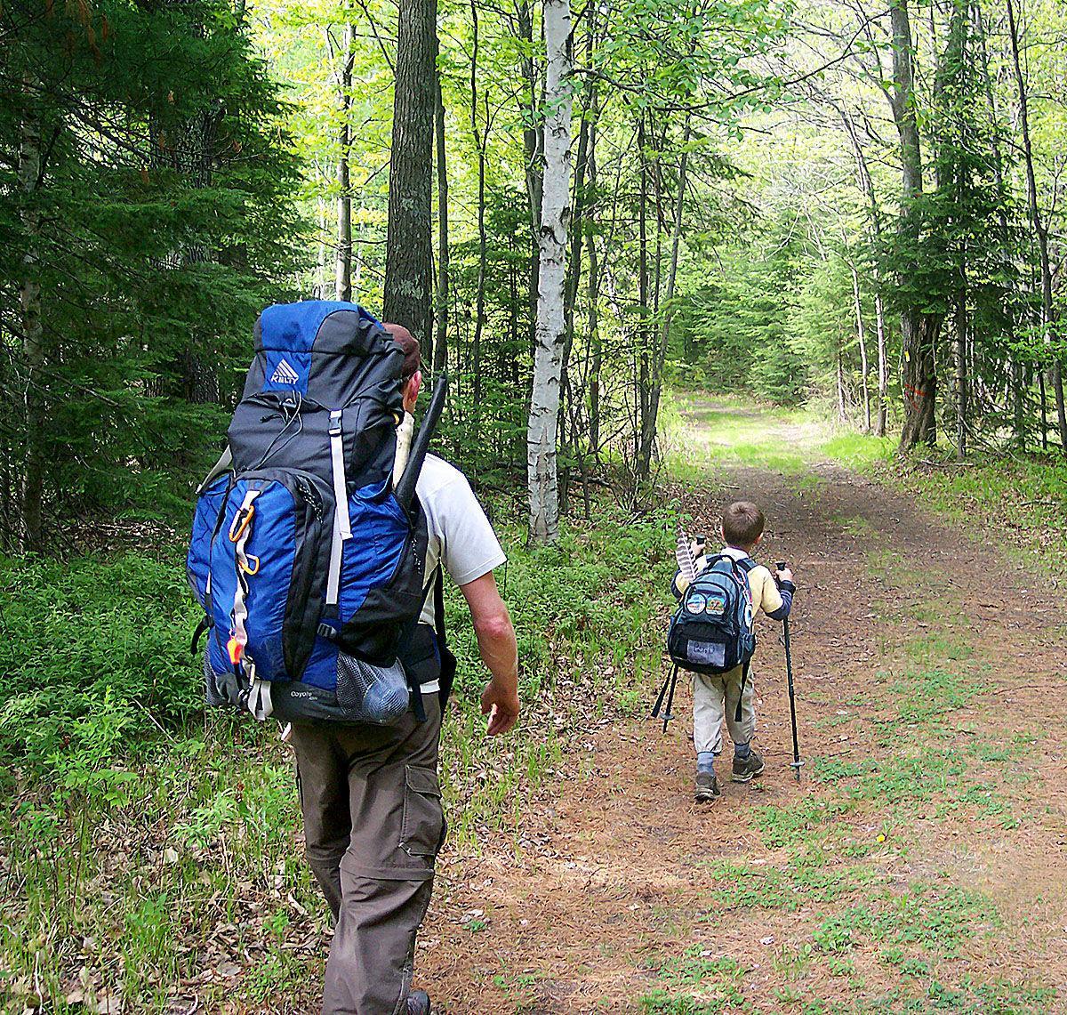 120218_con_offbeat_hiker_2