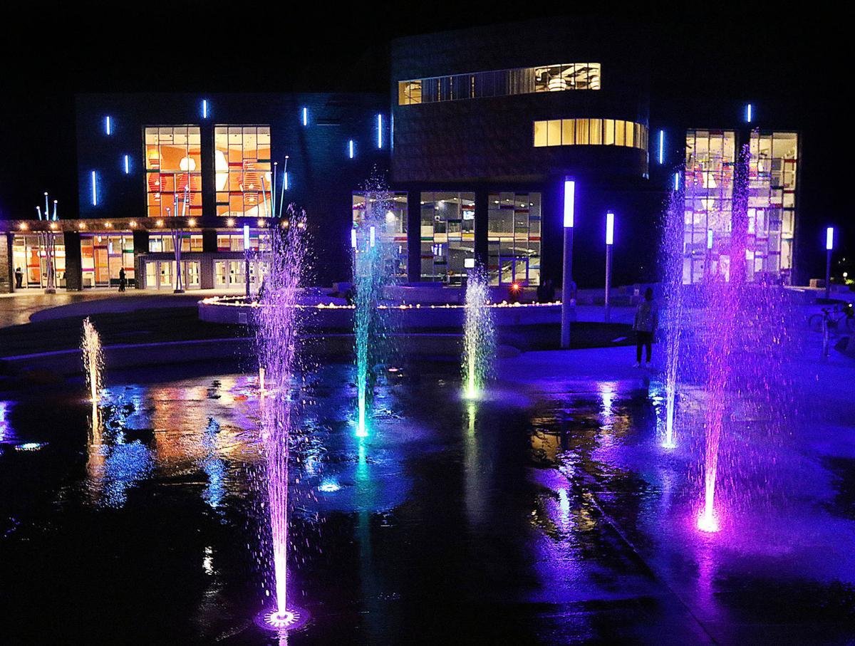 101019_sk_night_plaza_3