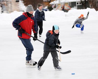 Ice hockey at Boyd Park