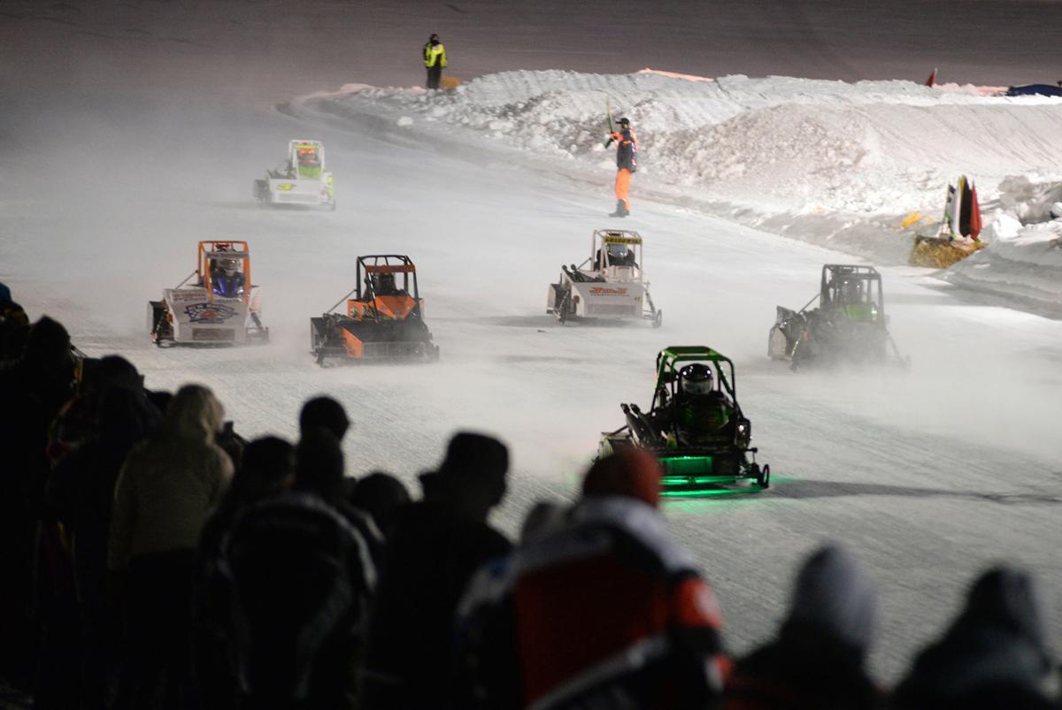 01302019_tct_bw_snowmobile_race_outlaws