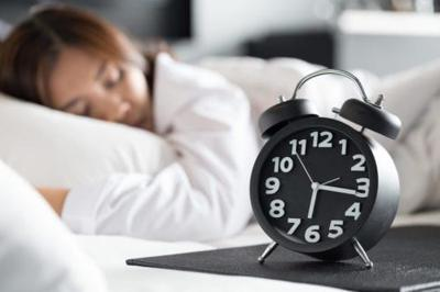 Too Much Sleep Has Been Linked To A Greater Risk Of Disease And Death, According To New Research