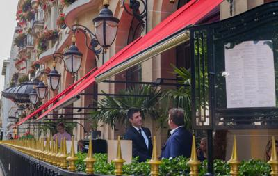 Le Terrasse Montaigne (street front) of the Hotel Plaza Athenee restaurant.