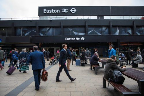 London Train Station Will Serve Christmas Dinner To 200 Homeless ...