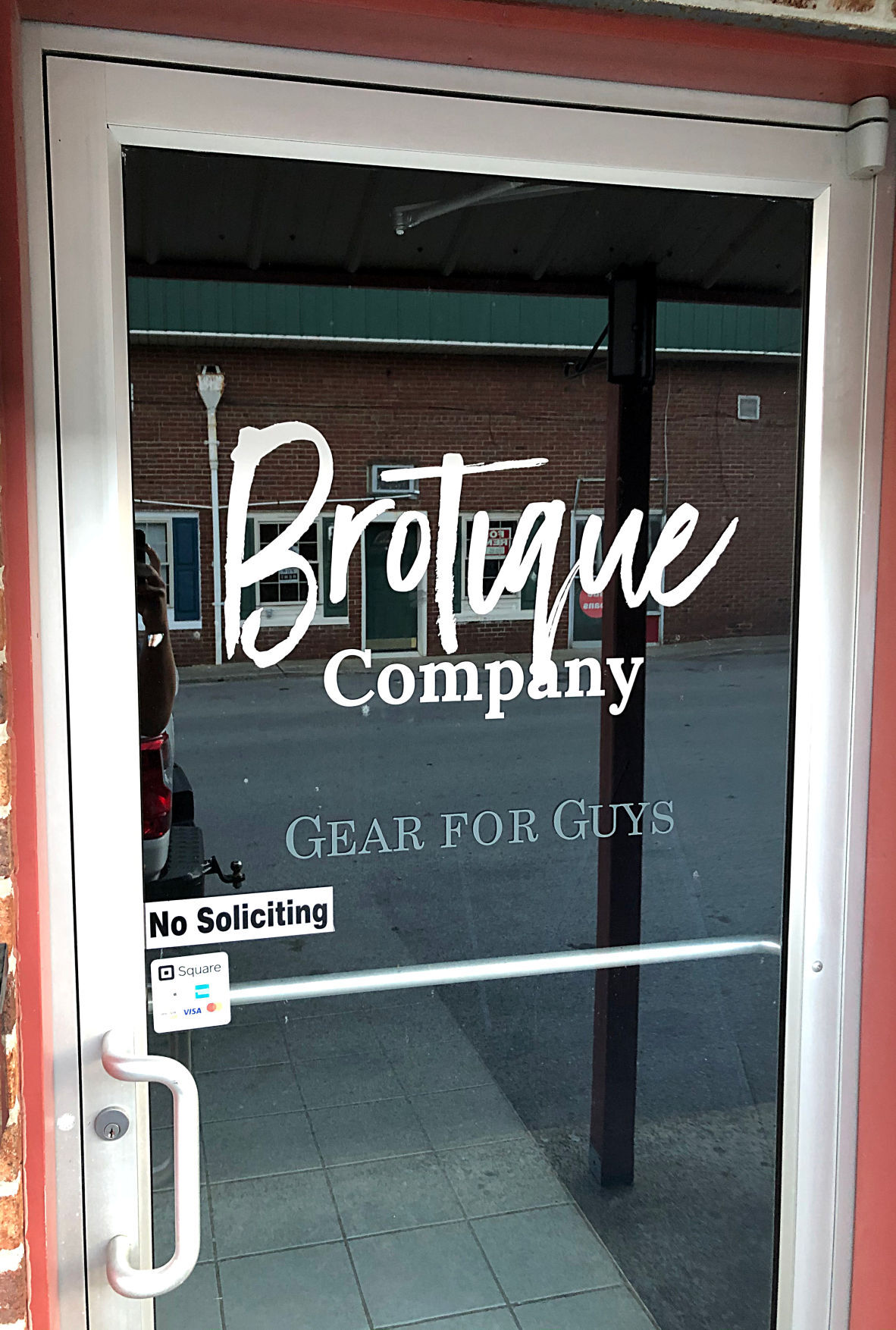 BROTIQUE TO OPEN PHOTO 3