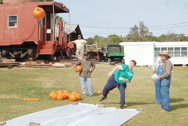 Pumpkin Chunkin to highlight Dogtrot Festival