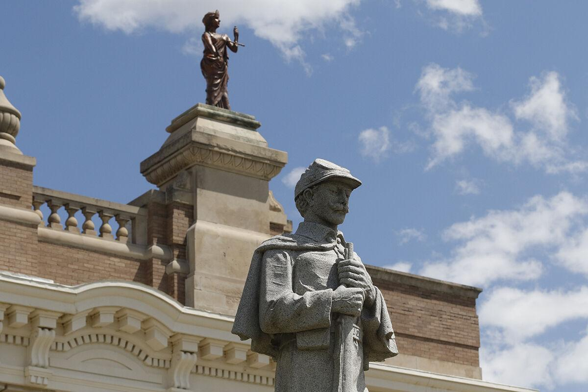 Dawson County Courthouse statues