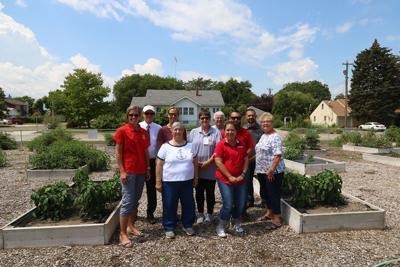 UNL Extension members visit LRHC community garden | News