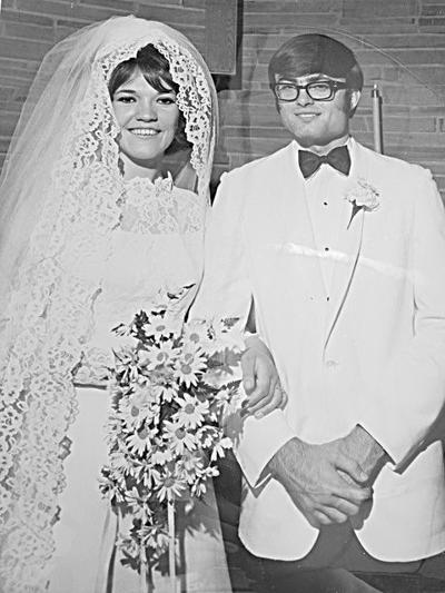 Robert and Elaine Lynch celebrating 50th anniversary