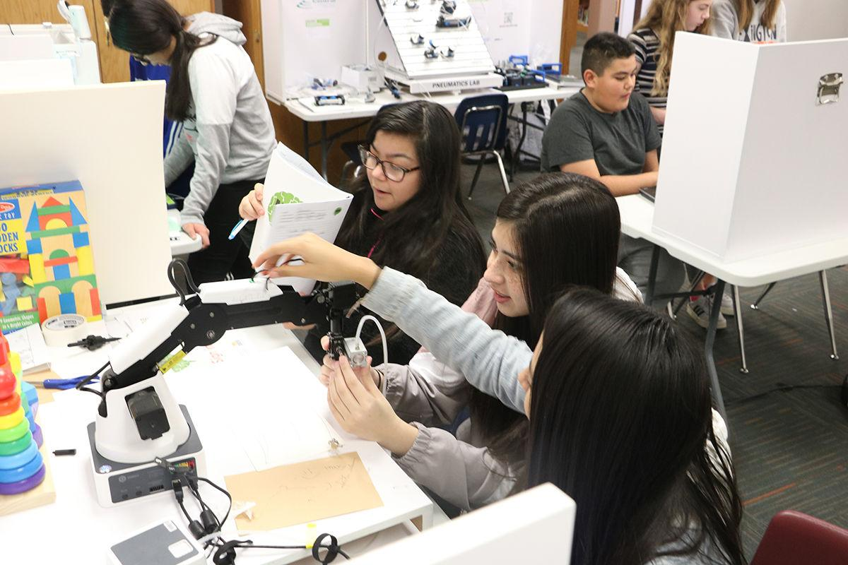 Makerspace STEM labs promote collaboration and cooperation among Lexington students