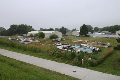 Lakeview Acres residents voice concerns over nuisance at JL Marina