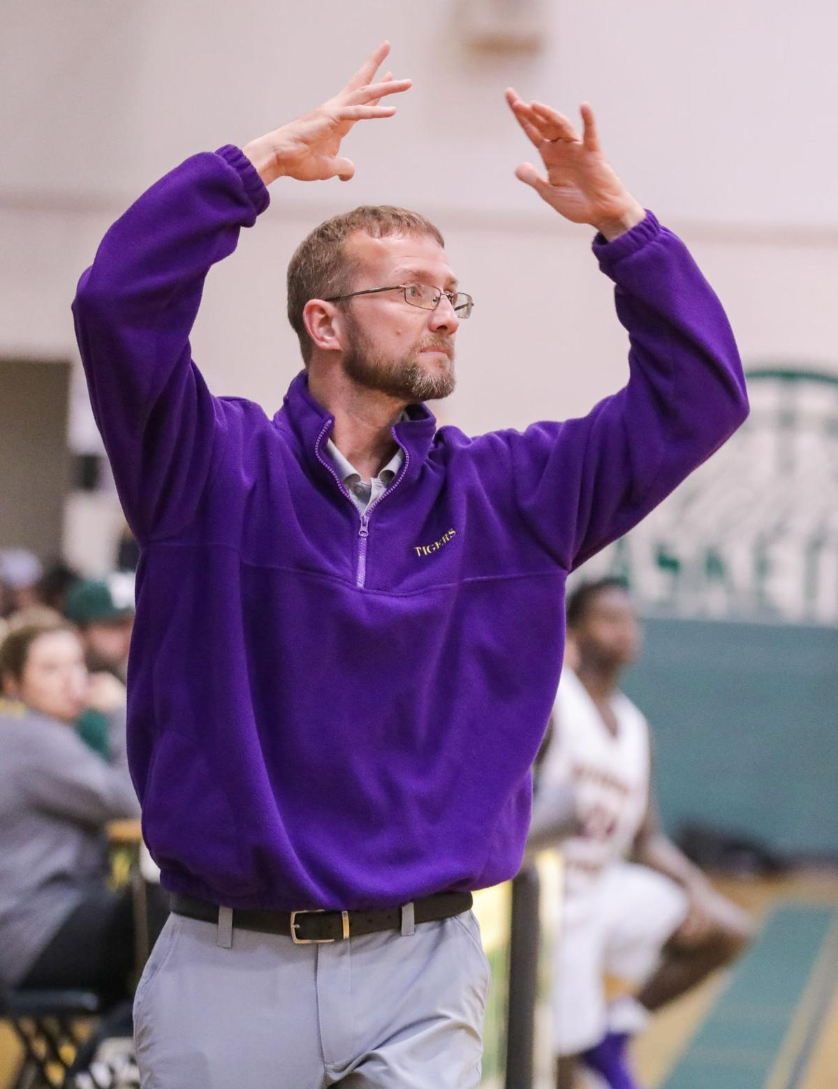 Albany vs Doyle girls basketball Daniel Kennedy