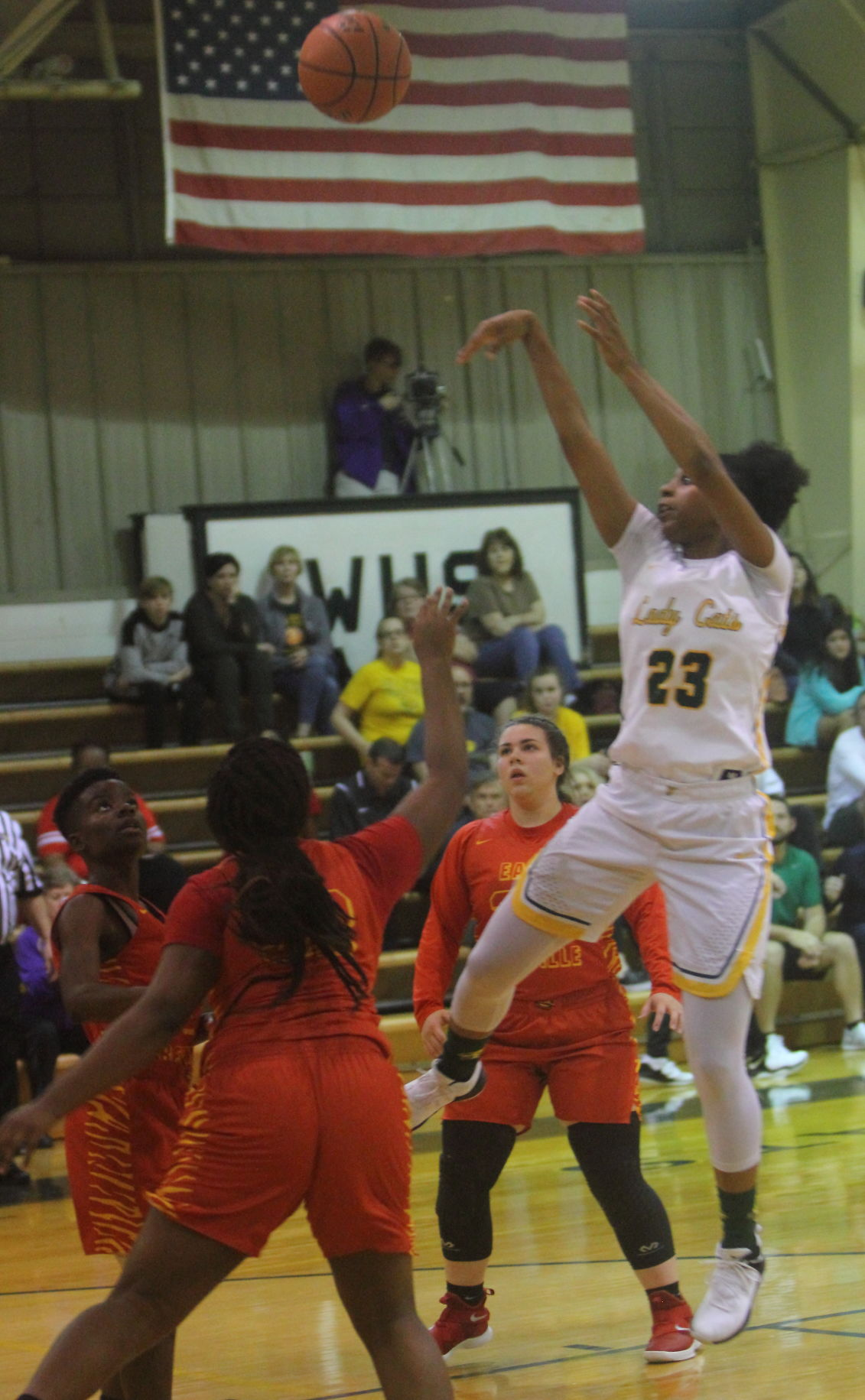 Walker girls BKB vs. E. Iberville Tiara Young