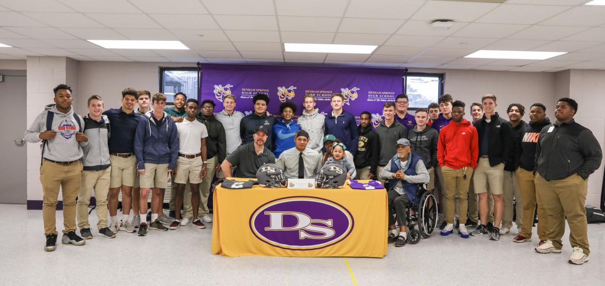 Davion Nassri signs with Southeastern teammates