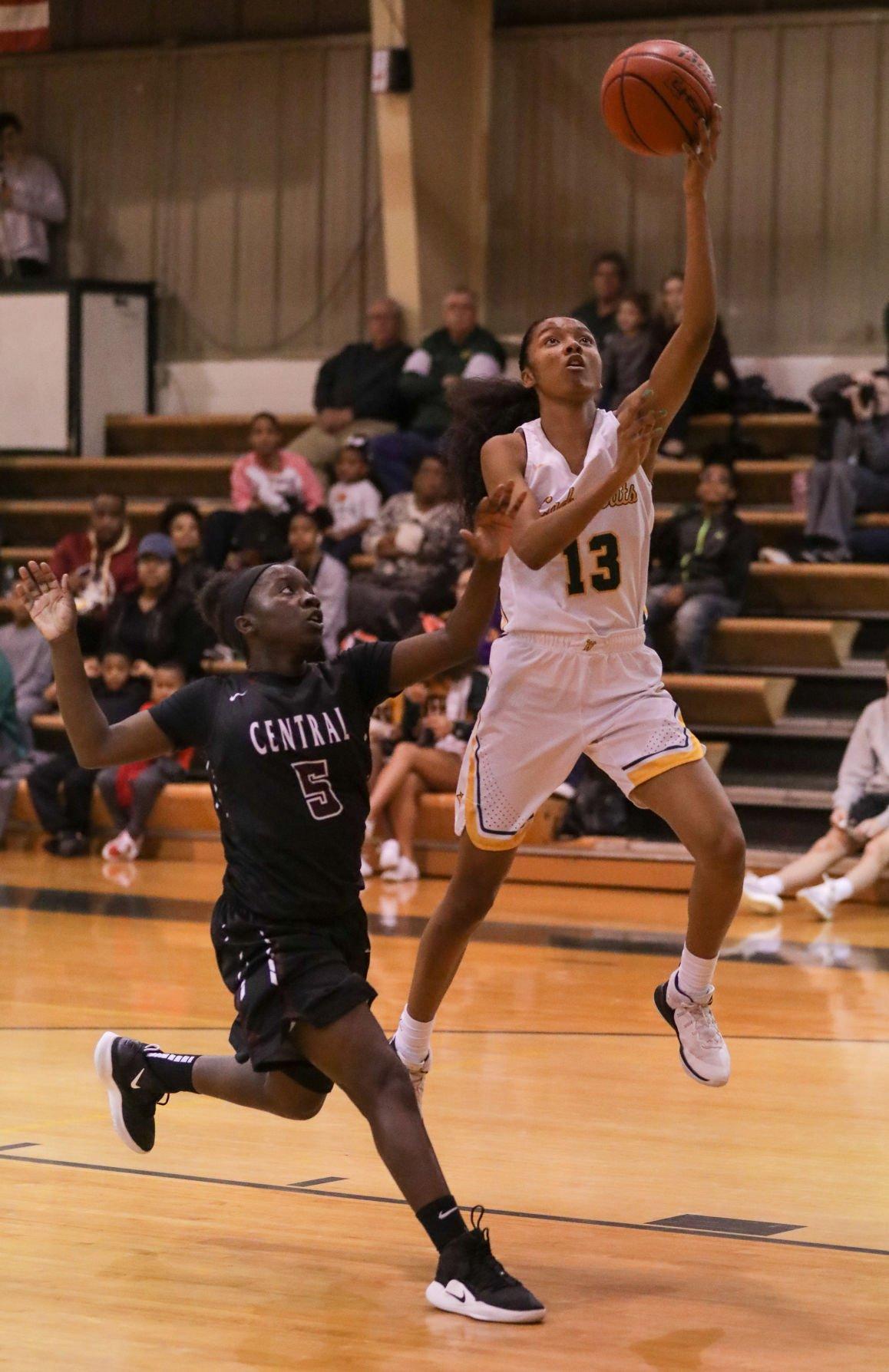 Central at Walker girls basketball Tarondia Harold Shanice Wilson