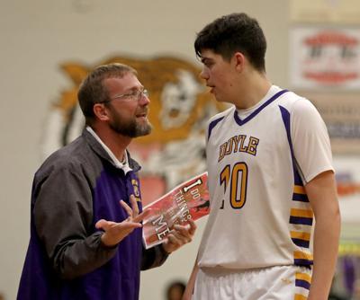 Jonesboro-Hodge at Doyle boys basketball Daniel Kennedy, John Barrios