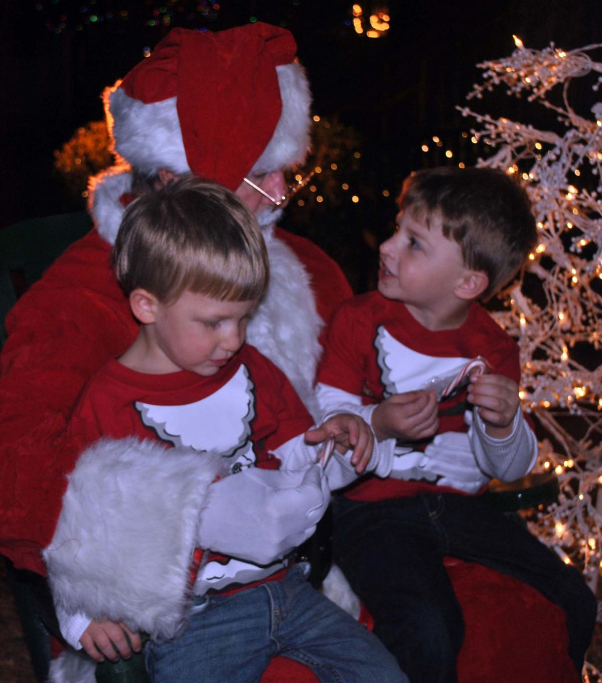 santa claus chat Absolutely fantastic the kids love it and the adults love it to you get to talk to santa claus before christmas and you avoid all the long  the chat with santa claus.