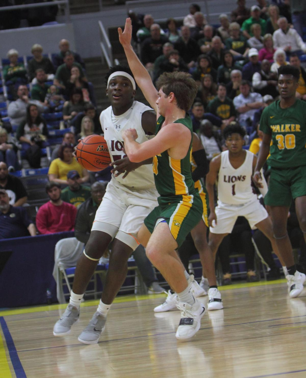 Walker vs Ouachita boys basketball Graham Smith