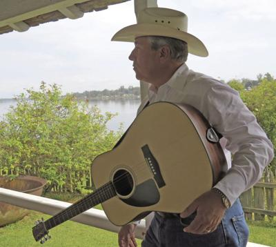 Singing Sheriff to visit Grand Country Junction
