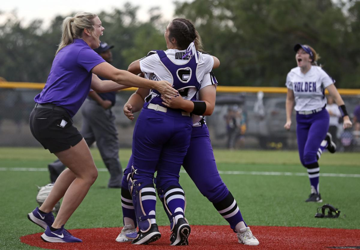 Anacoco vs. Holden SB state championship Linzey Bowers, Kamrynn Ouber