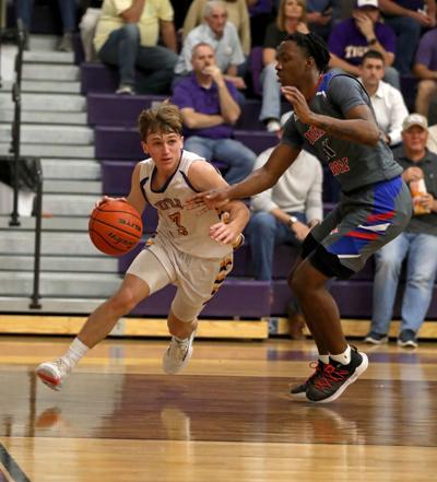 Jonesboro-Hodge at Doyle boys basketball Braden Keen, LaDamien Bradford