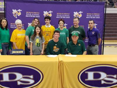 DSHS' Damon Herod signs with SLU.jpg