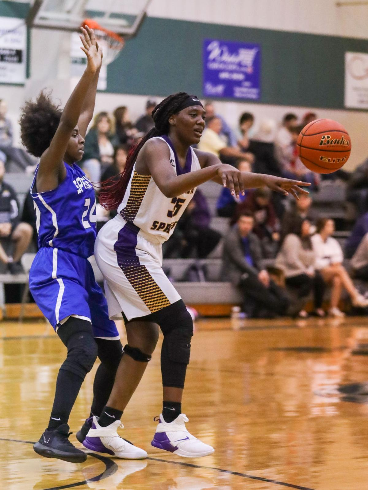 Springfield vs DSHS girls basketball Desiree Jones Johneisha Joseph