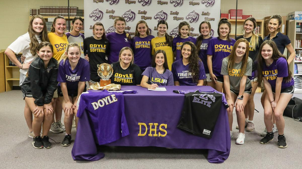 Gabrielle Lucia signs with LSU Alexandria teammates