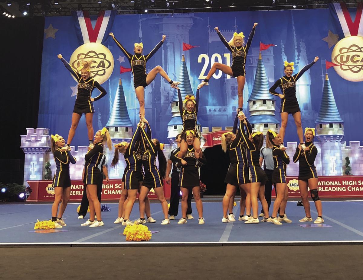 Live Oak High Cheerleaders
