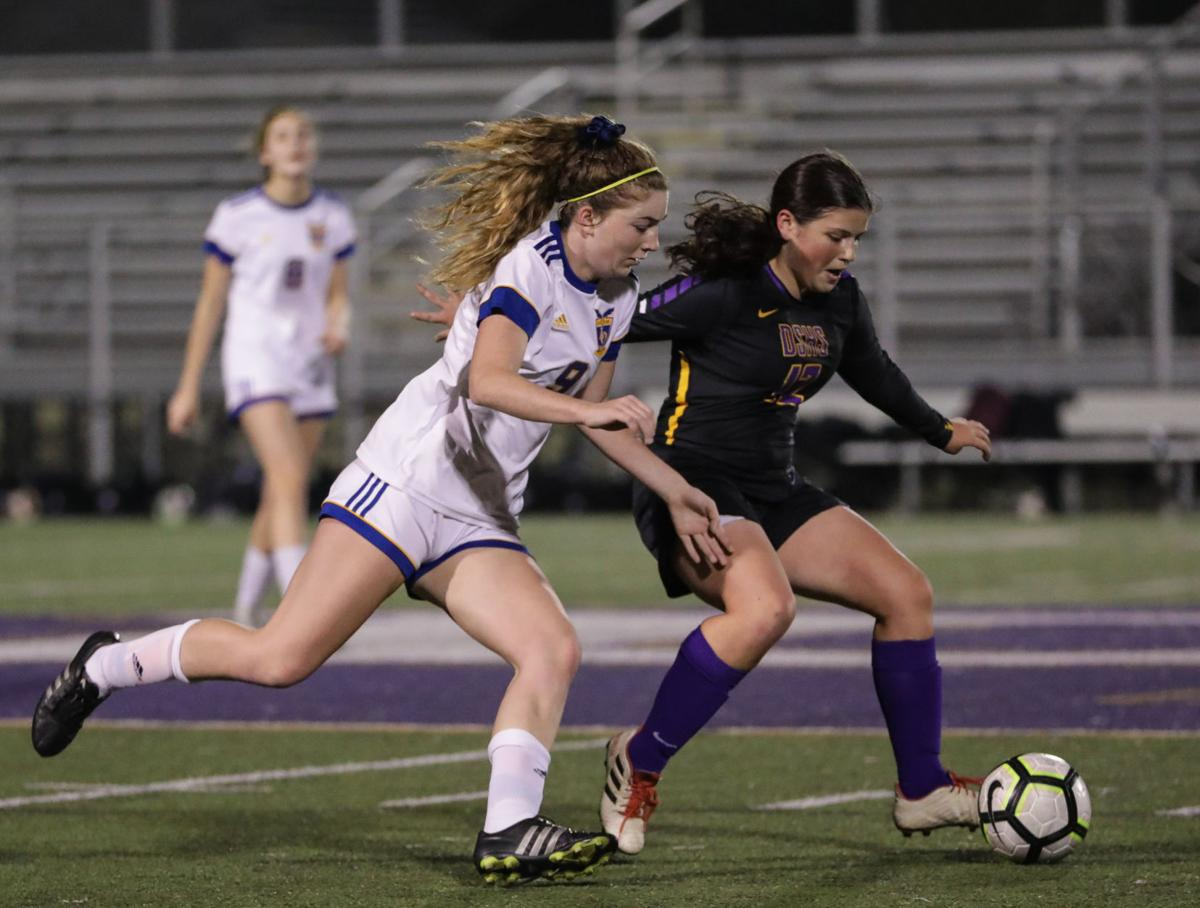 Live Oak vs DSHS girls soccer Anne Chevalier Mackenzie Covington