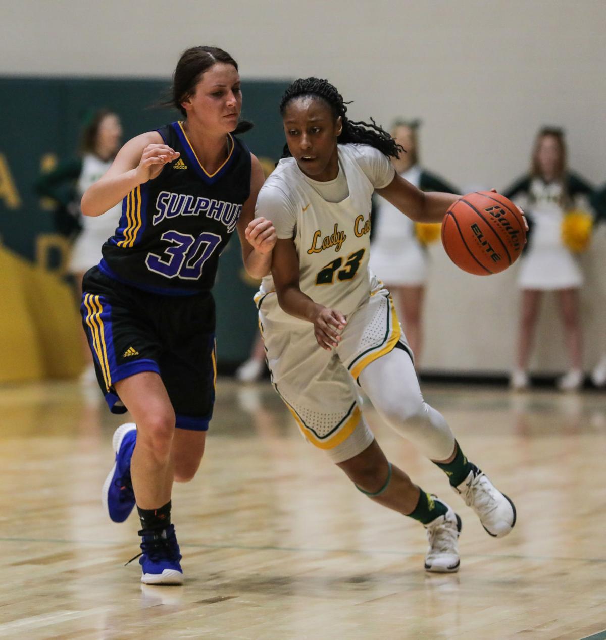 Sulphur at Walker girl basketball Tiara Young Brooklyn Gunter